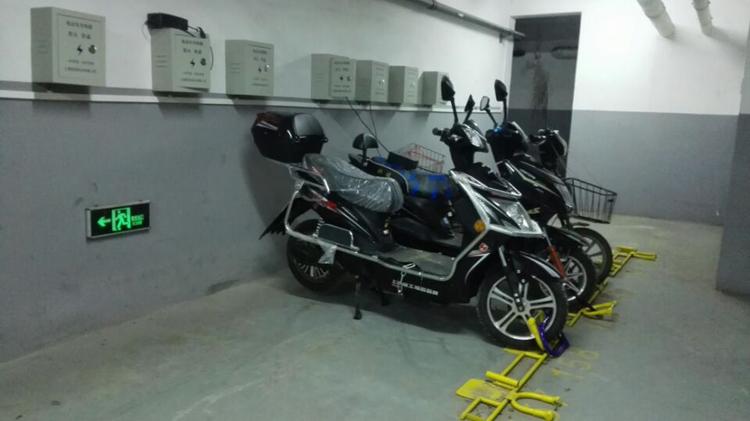 丢车保险公司赔3000 摩托车锁地锁U型锁防盗锁地桩锁地锚锁空转锁