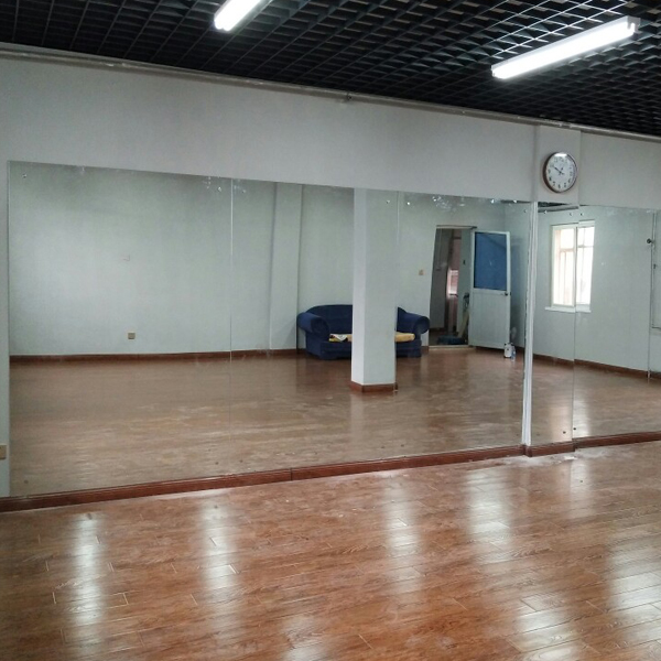 Wuhan punch installation dance room big mirror yoga room