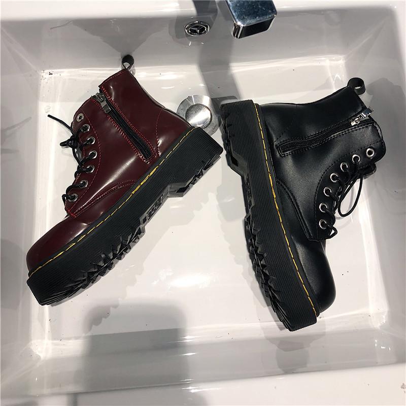 Мартин сапоги женщина 2019 новый британская мода ретро ботинки chic толстая корка кружево осеняя модель локомотив ботинок ins дикий 600599738831