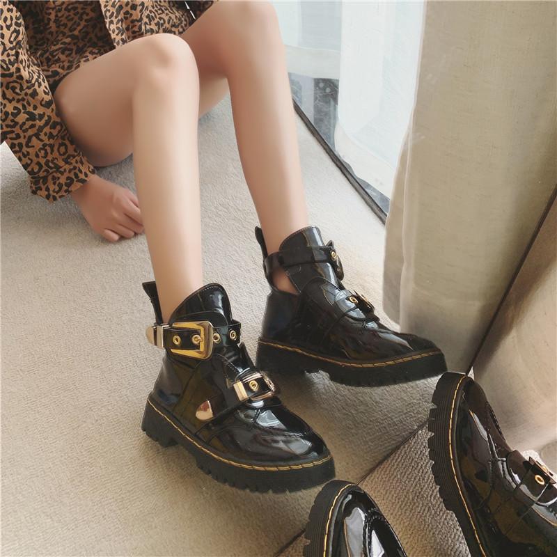 Ботинки женский осенний сезон 2019 новый корейский дикий колледж британская мода мартин сапоги женская кожа пряжка локомотив ботинки сын 600946134291