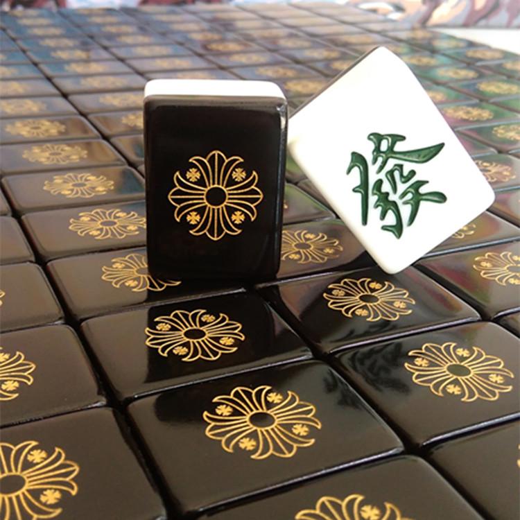 Набор для игры в Маджонг Бытовой ручной двуспальная руб. 42 м 40 плитка черная золотой ворон сердце маленькие ароматные тиран золото мультфильм Маджонг плитки