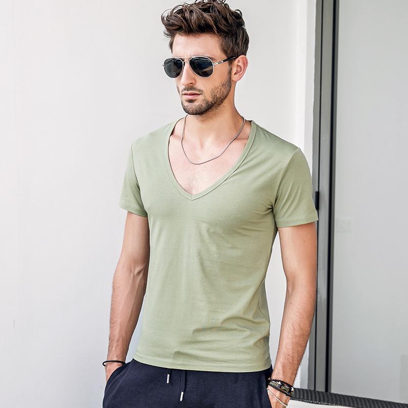 男士大V领纯色短袖T恤纯棉修身绣肌肉低领半袖健身汗衫潮流百搭绿