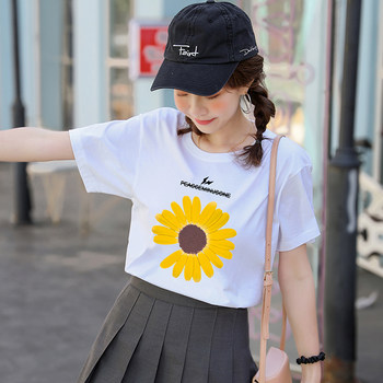 Daisy t-shirt female 2020 summer new cotton short-sleeved Korean yards loose white T-shirt printing compassionate
