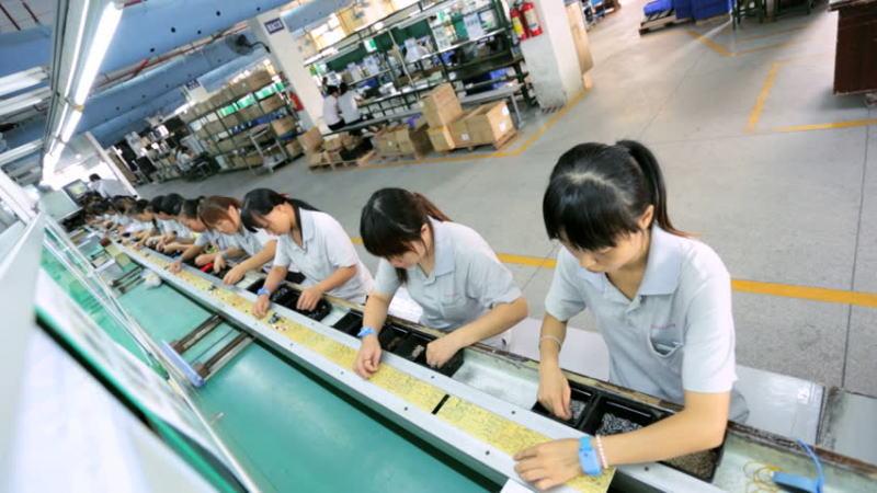 中国第二季度GDP增长率降至6.2%,但月度经济指标显示6月份出现复苏
