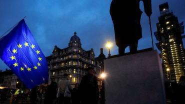 梅的脱欧协议投票遭遇惨败,二次公投变得更有可能