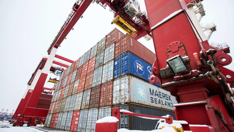 随着企业信心的恢复,中国进出口均大幅增长