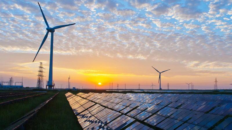 全球上半年可再生能源新项目投资明显下降,背后的原因是什么?