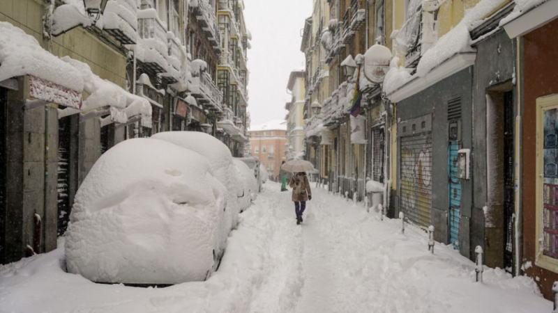 北半球极寒天气导致能源价格飙升和电力系统混乱