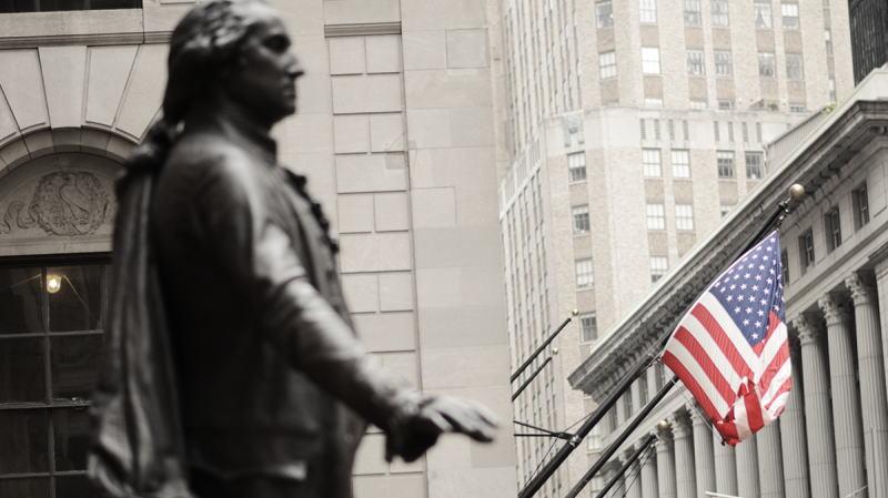 巴伦调查:华尔街顶级策略师预计标普500指数年底目标为3492点