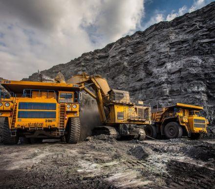 本周随着中国政府刺激基础设施建设,铁矿石价格已飙升至多年高点,即便在全球范围内,铁矿石价格仍在上涨。据大宗商品价格报告机构Argus称,铁矿石现货价格周二升至...