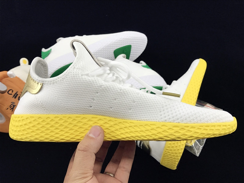 Спортивная обувь Adidas  Pharrell Williams Tennis Hu BA7828 BY2674