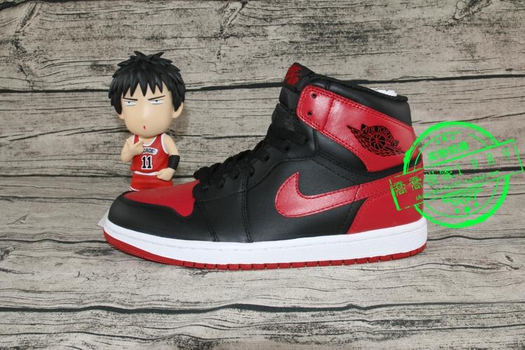 ��Ʒ��˾�� Air Jordan 1 �ǵ�1��AJ1 ��1�ں�ӣľ����555088-023