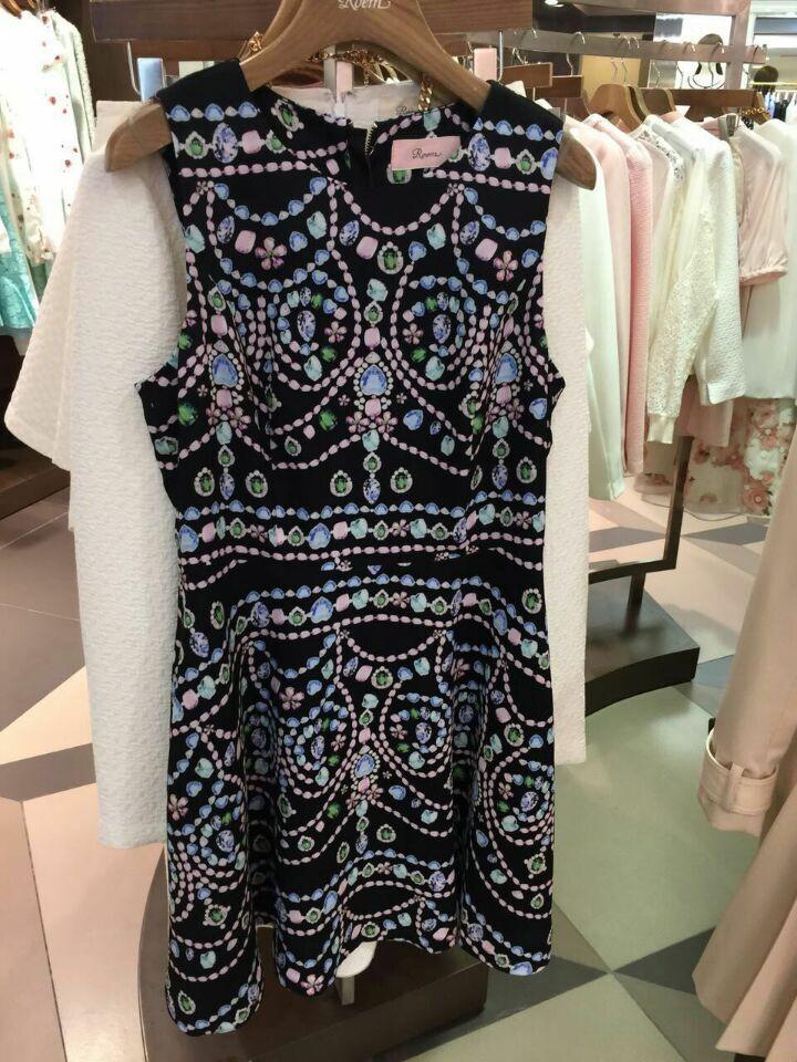 ROEM韩国罗燕夏季新品修身无袖民族风连衣裙RCOW52408C专柜正品