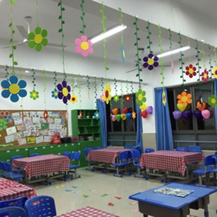 Usd elementary school kindergarten classroom for Annual day stage decoration images