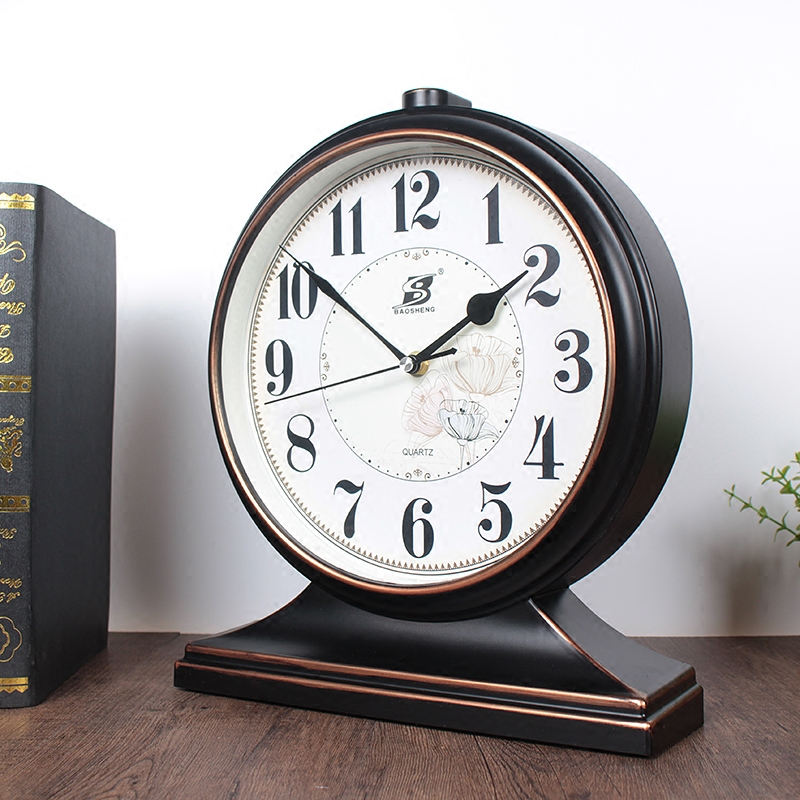 European Retro Clock Clock Living Room American Large