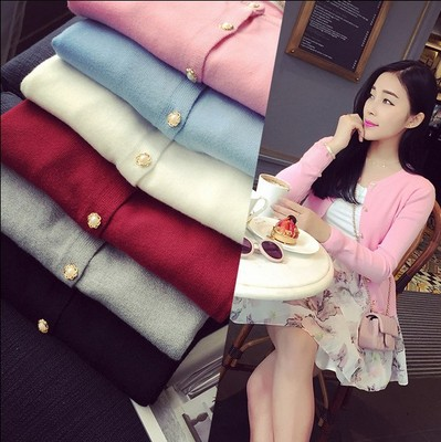 2017 spring and autumn new wild pearl buckle cardigan wool sweater long sleeve low round neck Slim was thin women
