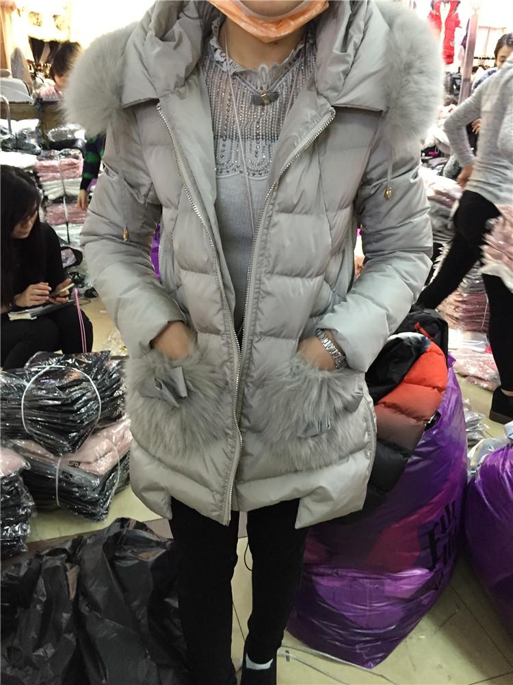 欧洲站2015冬季新款莎丽艾妮6283正品纯色拼毛毛带帽羽绒棉衣外套
