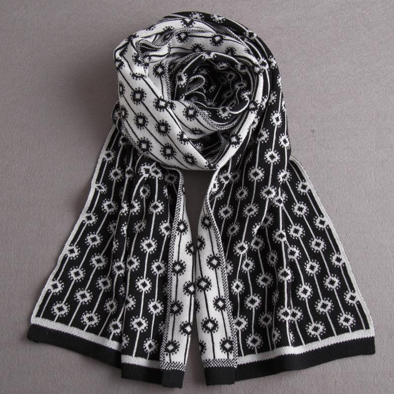 新款黑色白色手织羊毛羊绒毛线麻花加须围巾韩日版来样定做2014