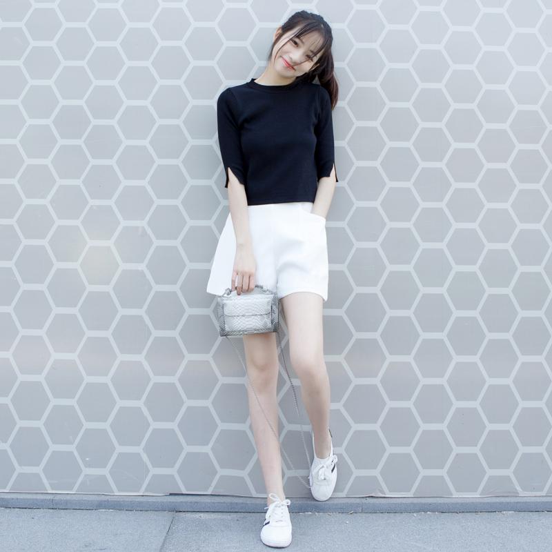 莜 原 lỏng màu rắn một từ quần chân rộng 2018 mùa hè mới Hàn Quốc cao eo rộng chân quần short phụ nữ quần âu