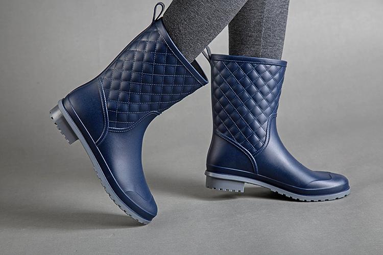 16新款秋冬韩版英伦漆皮短靴女高跟粗跟系带机车靴百搭单鞋马丁靴
