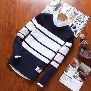 Mùa thu và mùa đông nam sọc áo len sinh viên Hàn Quốc phiên bản của V-cổ áo len thanh niên mỏng dài tay áo len nam triều