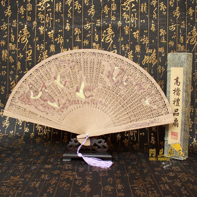 扇子摆件香木扇檀香木扇子古风折扇中国风女式镂空工艺雕花扇包邮
