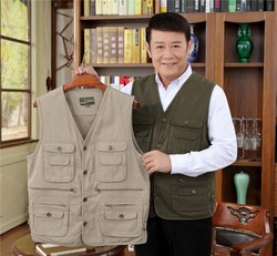 Middle-aged and elderly spring and autumn outdoor multi-pocket cotton breathable vest waistcoat summer thin men's fishing photography vest