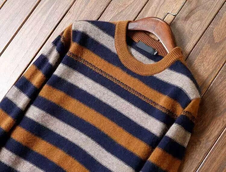代购巴宝莉2015秋冬新款羊毛衫男士提花金貂绒休闲格子长袖毛衣潮