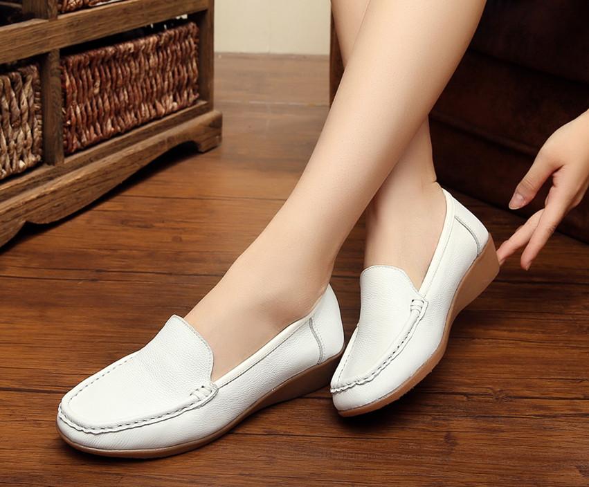 真皮白色护士鞋女软底低跟防滑妈妈鞋平底牛筋底女皮鞋孕妇鞋春秋