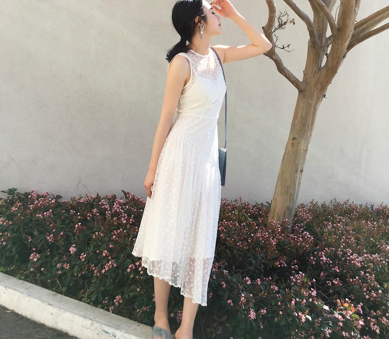 穿上浪漫的连衣裙告别路人感 服装 第2张