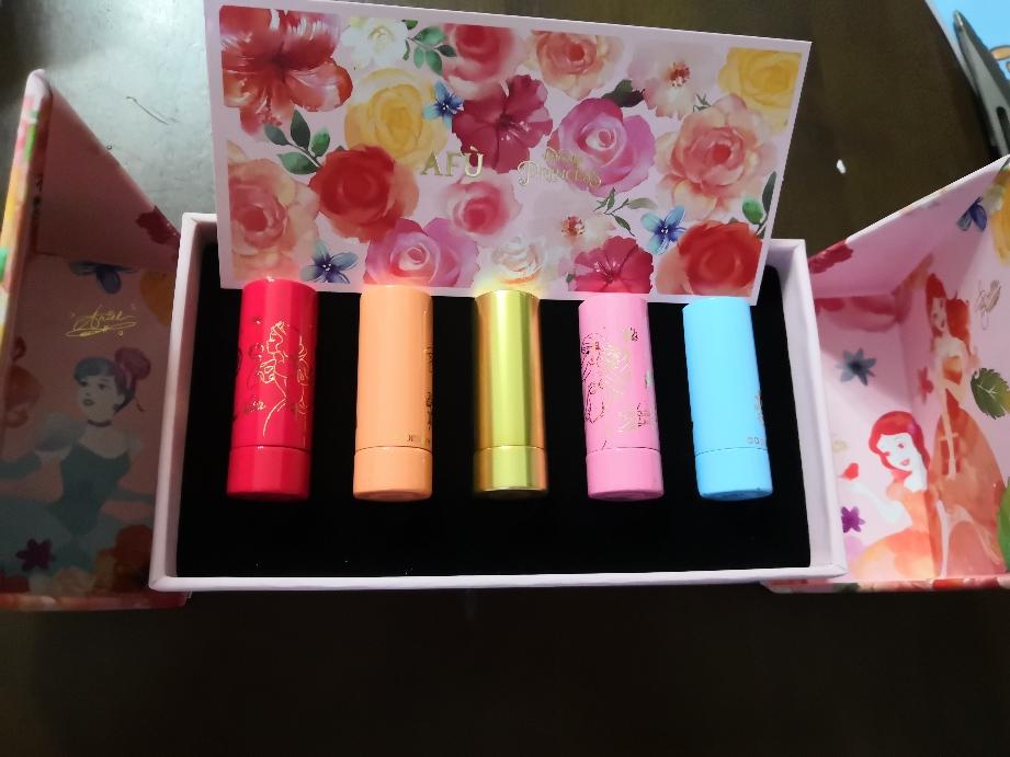 迪士尼梦幻公主润色口红礼盒5种色号完全试色