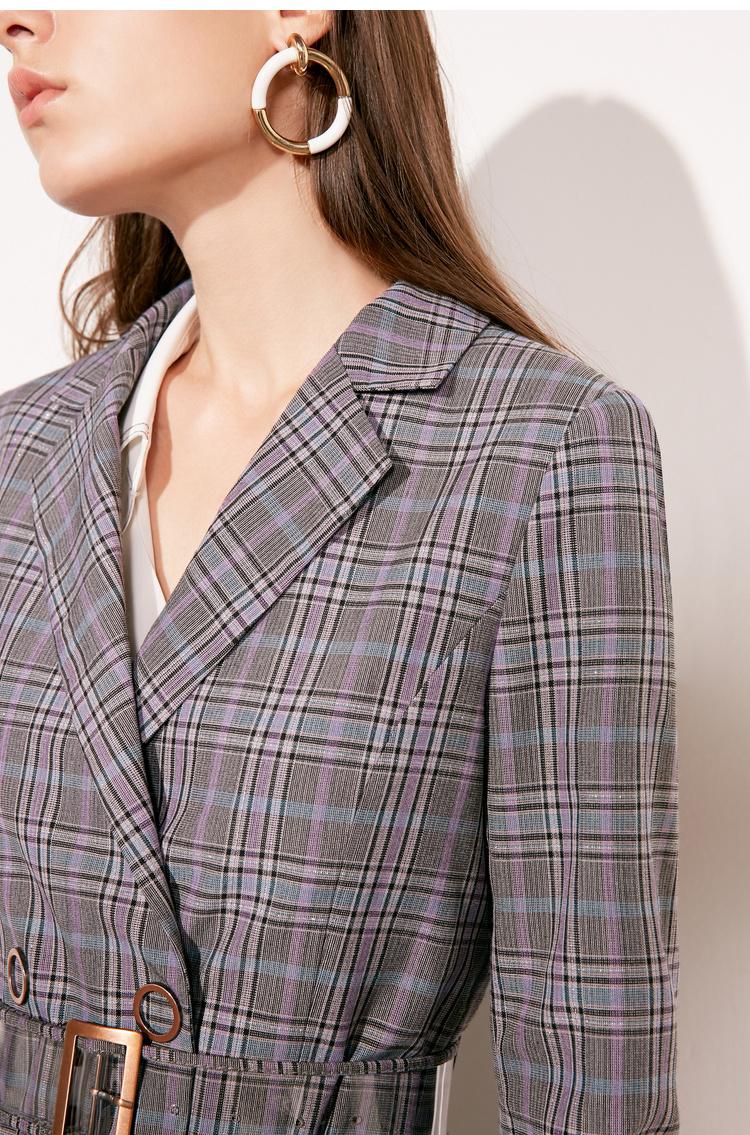 Lily2019春新款女装商务收腰版型,金属扣件,气质格纹中长款风衣