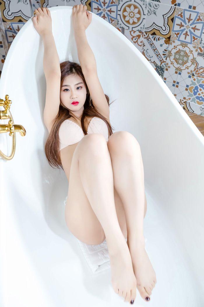 福利美图_少妇俞漫浴室大尺度湿身尽显诱人胴体