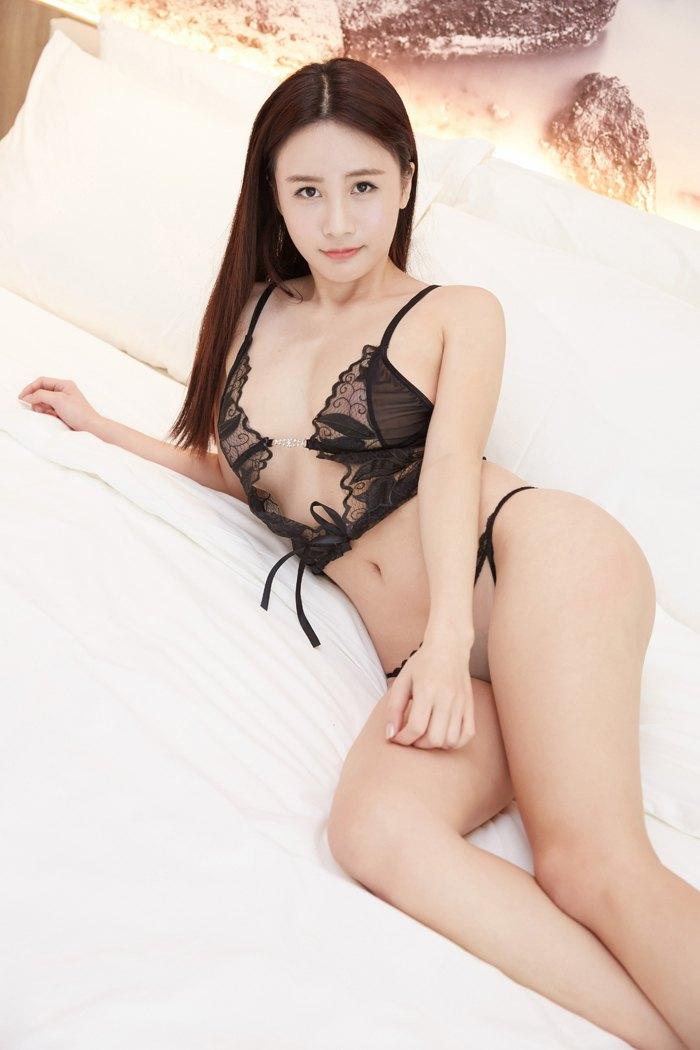 福利美图_性感尤物琳琳扮可爱兔兔透视内衣现巨胸