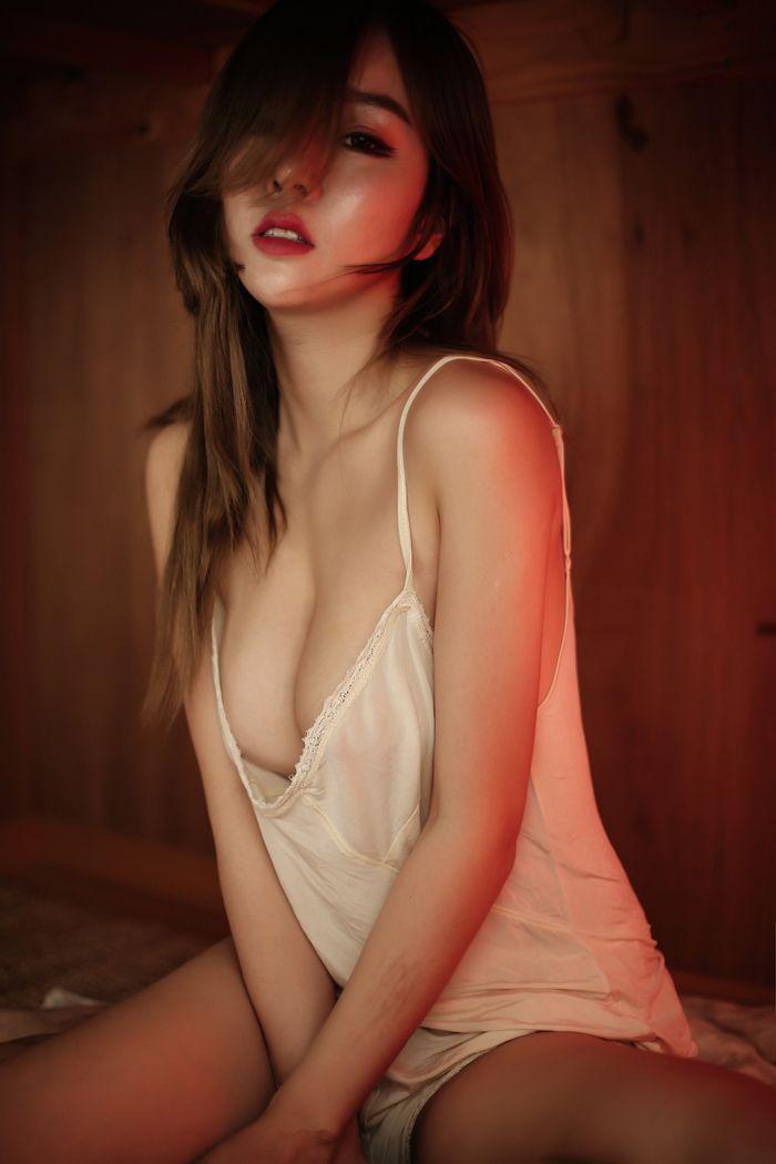 福利美图_尤物王雨纯大尺度全裸露出乳此动人