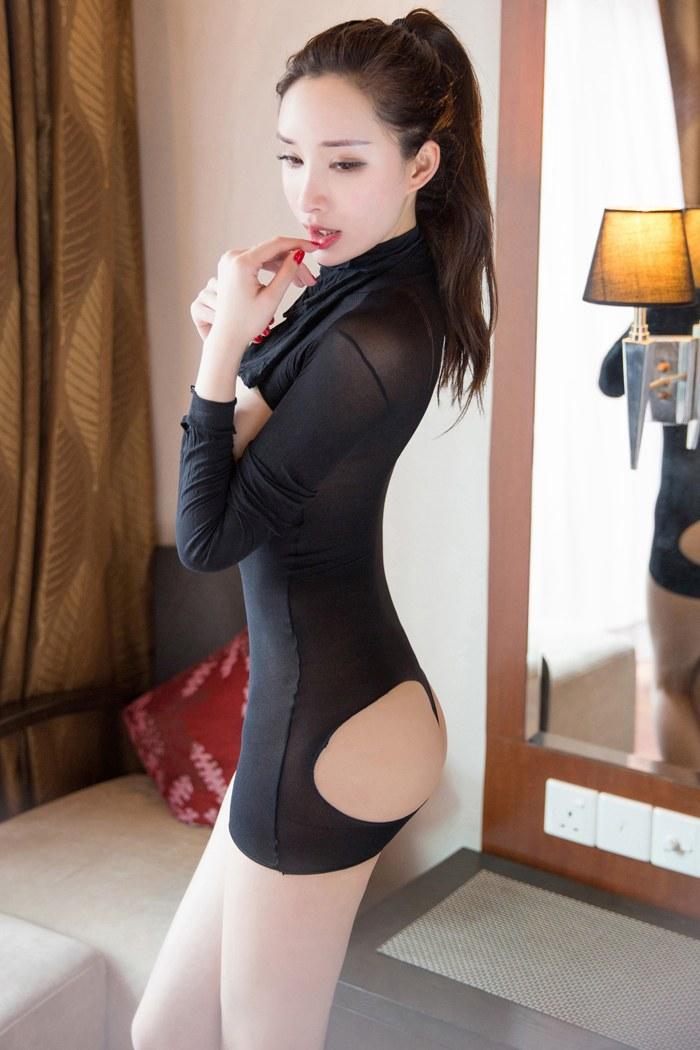 福利美图_性感女神尤美比基尼湿身大秀巨乳玉腿