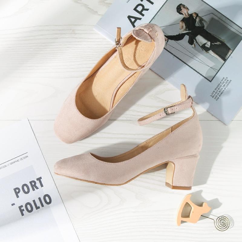 粉色梦幻系单鞋,做迷人的摩登少女