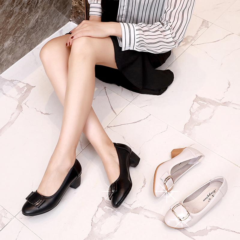 热销31件不包邮中粗跟单鞋女妈妈鞋2019夏秋韩版新款软皮舒适防滑中老年真皮鞋子