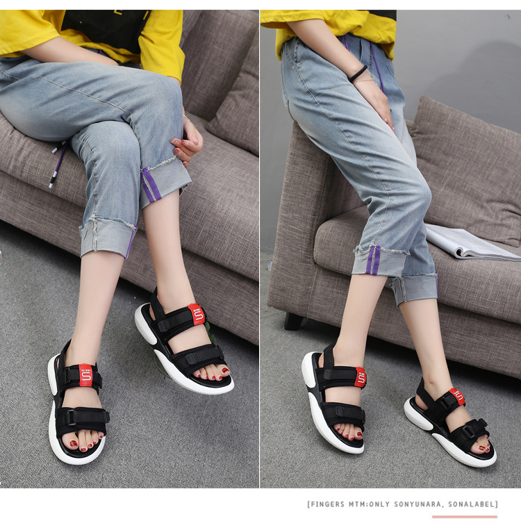 Summer 2018 new flat sandals female students wild magic stickers casual shoes. 65