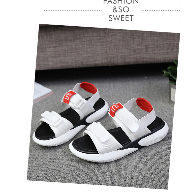 Summer 2018 new flat sandals female students wild magic stickers casual shoes. 82
