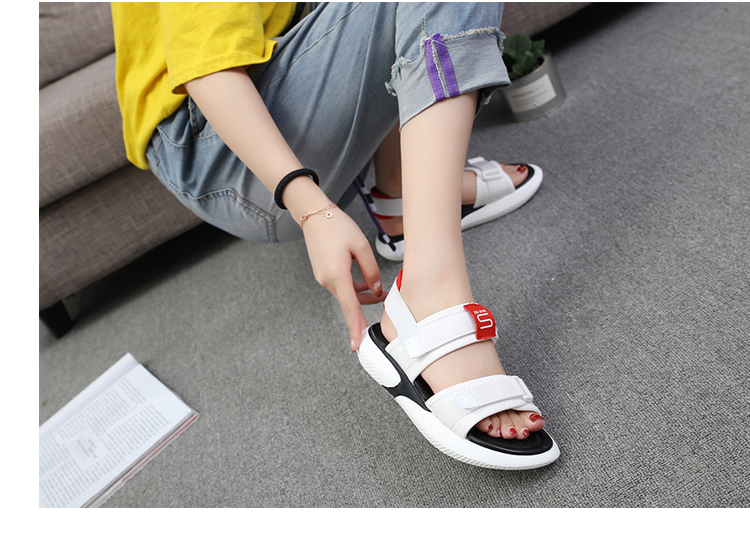 Summer 2018 new flat sandals female students wild magic stickers casual shoes. 71