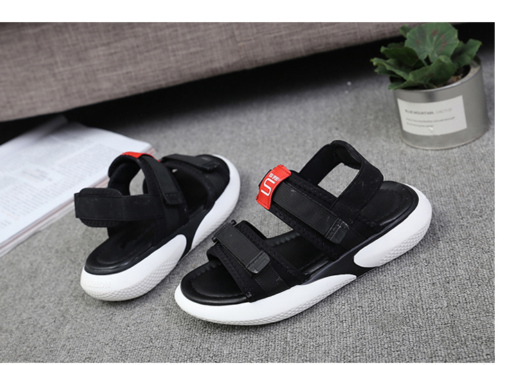 Summer 2018 new flat sandals female students wild magic stickers casual shoes. 78