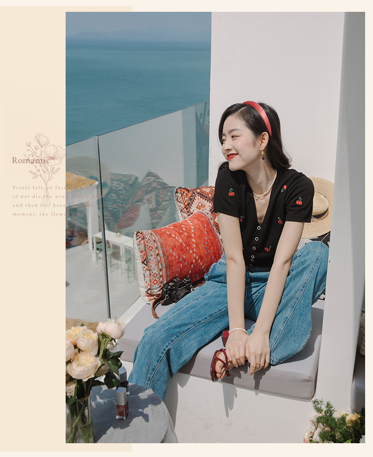 8Black cherry embroidery knit top _03.jpg