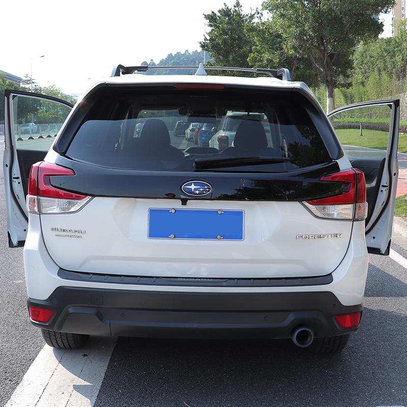 Thanh Ốp trang trí dải logo phía sau xe Subaru Forester 19-20 - ảnh 4