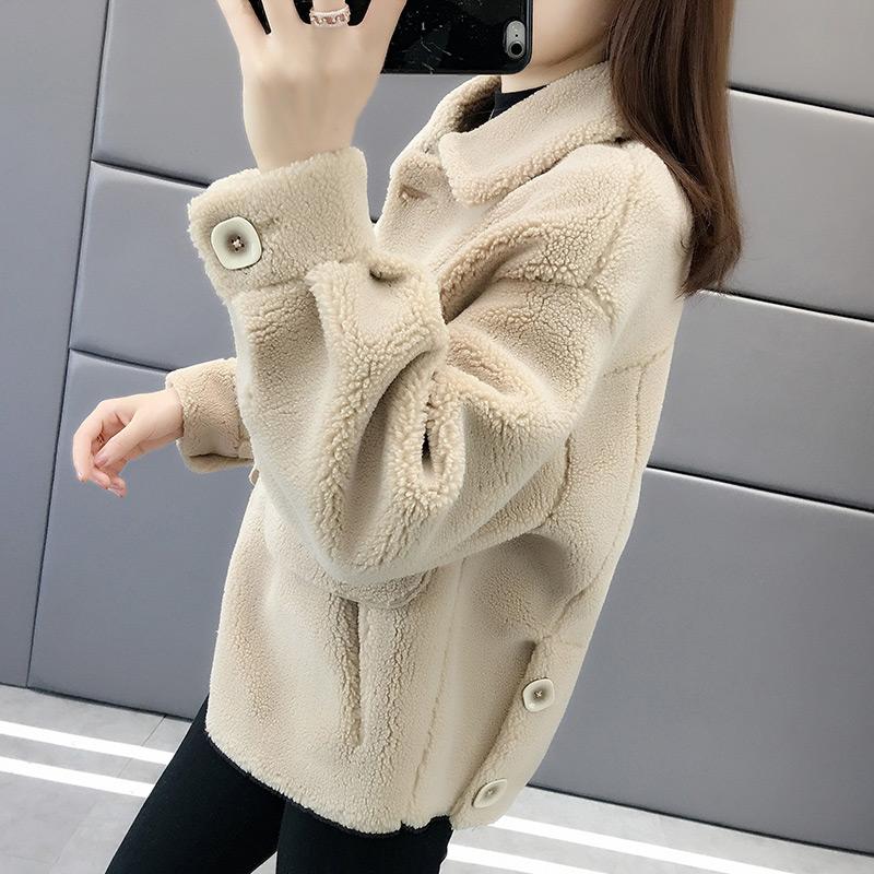 Áo len lông cừu lông cừu lông cừu một mảnh Quần áo mùa đông 2019 cho nữ mới áo khoác ngắn nữ mùa thu và mùa đông hoang dã - Áo khoác ngắn
