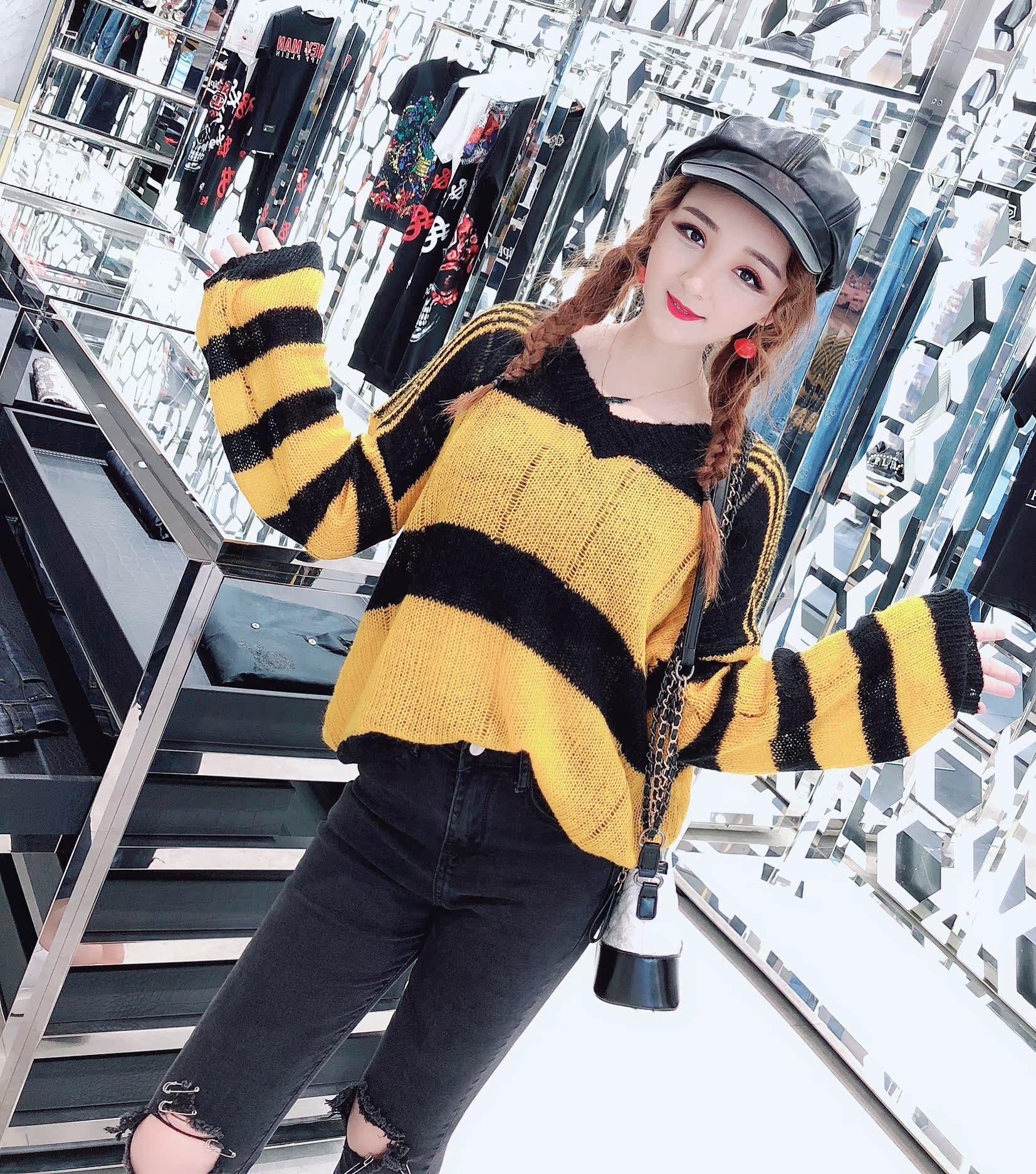 20潮流女装2018秋装新款韩版时尚V领显瘦条纹套头毛衣