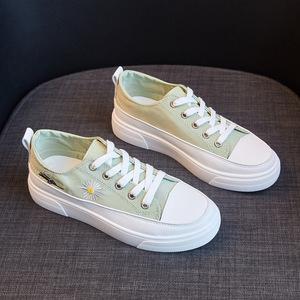 秋季小雏菊小白鞋百搭休闲板鞋运动女鞋