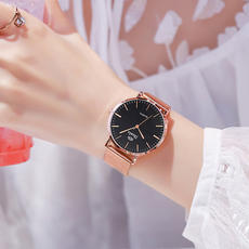 2018 new watch ladies students Korean version of the simple fashion trend waterproof casual atmosphere vibrating network red with the paragraph