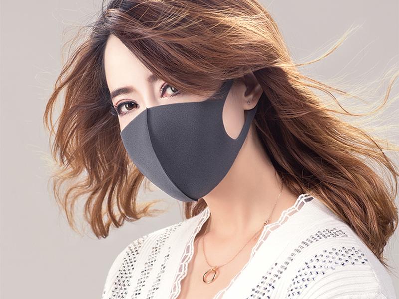戴口罩这样穿搭,展现神秘高冷范儿