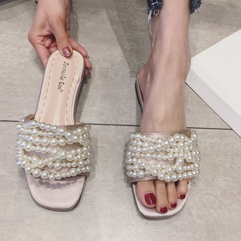 0058b86953fc84 2018 summer new sweet satin Pearl Flat Sandals holiday wind beaded flat  with open toe slippers